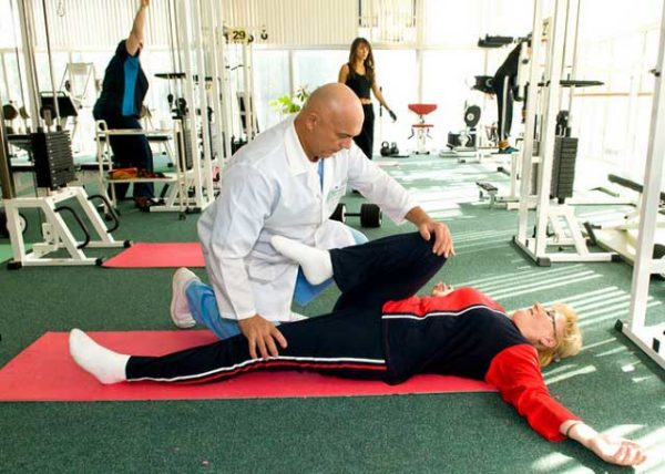 Подбирать комплекс упражнений необходимо совместно с лечащим врачом