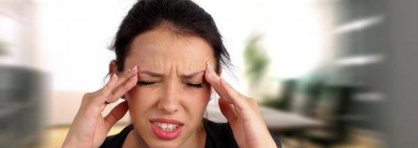 При прогрессировании болезни человека часто мучают головные боли, головокружение, тошнота