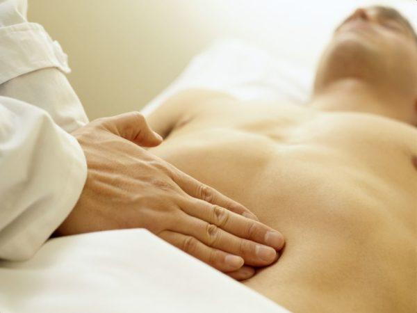При тяжелой форме заболевания развиваются различные патологии пищеварительной системы
