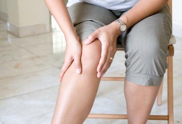 Со стороны защемления резко снижается мышечный тонус, ощущается слабость в конечностях