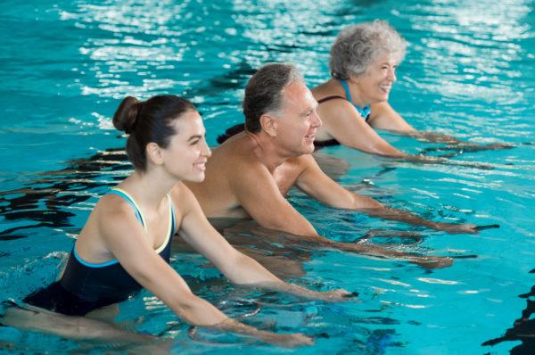 Плавание - отличный способ укрепить и натренировать мышцы позвоночника