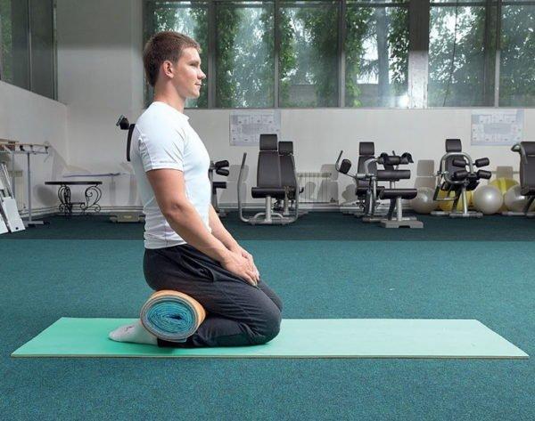 Упражнение с гимнастическим ковриком