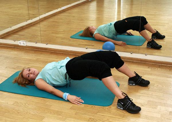 Упражнения нужно выполнять медленно