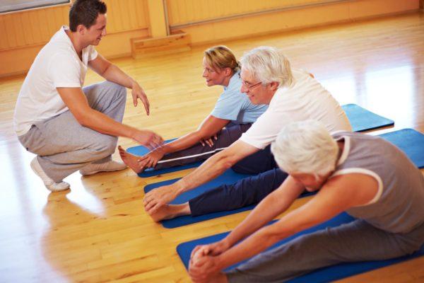 Упражнения при корешковом синдроме должны подбираться лечащим врачом и выполняться под контролем специалиста