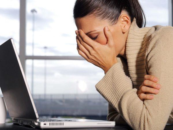 Из-за постоянных болей и дискомфорта появляется хроническое переутомление