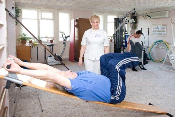 Вытяжка позвоночника в домашних условиях, упражнения для 62
