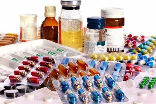 Приём лекарств – первоочередная рекомендация для лечения со стороны врача