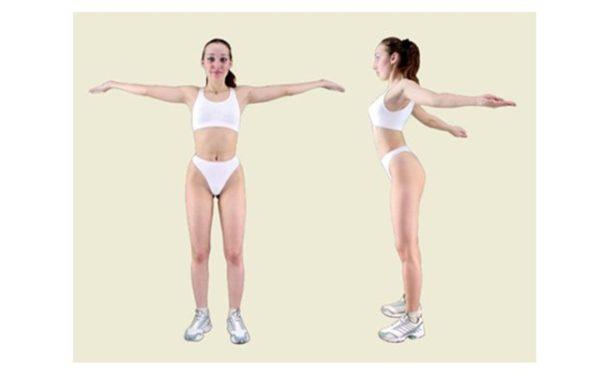Руки нужно отводить назад как можно сильнее, но при этом все движения должны быть плавными