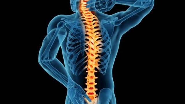 Основные симптомы – боль и напряжение в пояснице