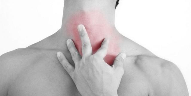 Симптомы опухолей и припухлостей в шее не слишком характерны, а потому вовремя определить заболевание получается не всегда