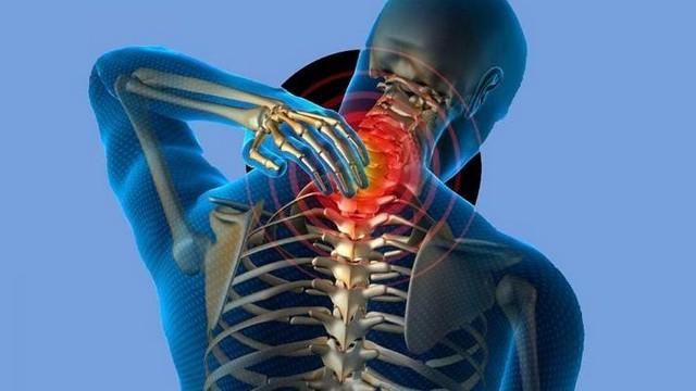 Заболевания шейного отдела прямо влияют на появление боли в шее и в головеЗаболевания шейного отдела прямо влияют на появление боли в шее и в голове