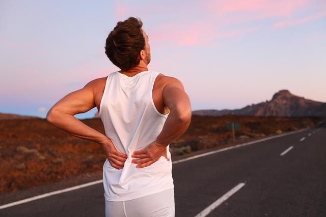 Сильные физические нагрузки могут привести к развитию экструзии