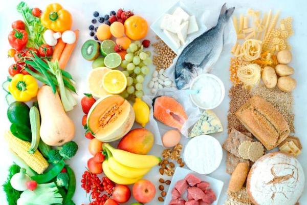 Для нормального развития позвоночника большое значение имеет сбалансированное питание