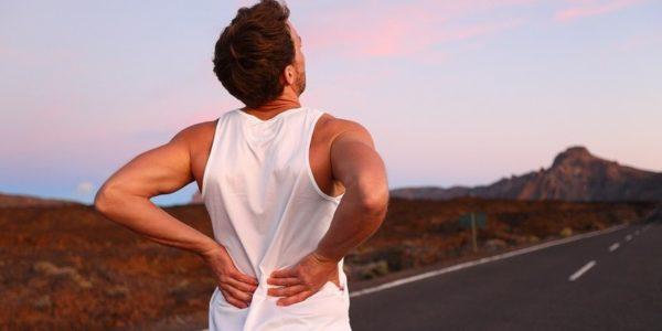 Боли в спине при беге или ходьбе свидетельствуют о патологиях позвоночника