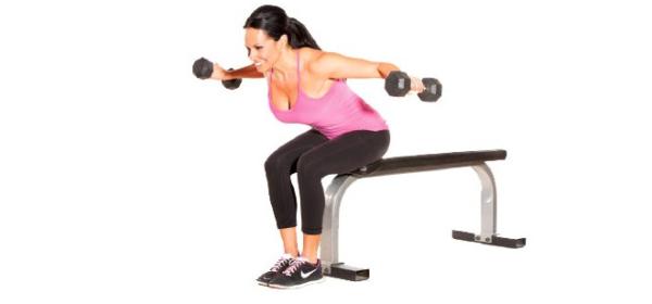Упражнение отлично помогает разработать мышцы спины и устранить болезненные спазмы