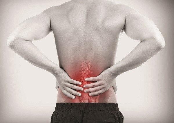 В большинстве случаев болевой синдром начинает беспокоить на поздних стадиях заболевания, когда развиваются сопутствующие патологии