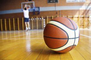 Игры с мячом (футбол,волейбол, баскетбол)