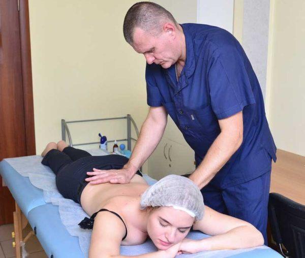 Лечебный массаж может проводить только квалифицированный специалист