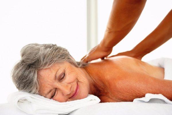 Массаж улучшает кровообращение и помогает восстановить тонус мышц