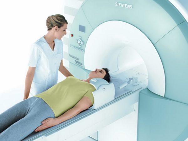 МРТ считается самым точным методом диагностики и позволяет выявлять малейшие изменения в тканях