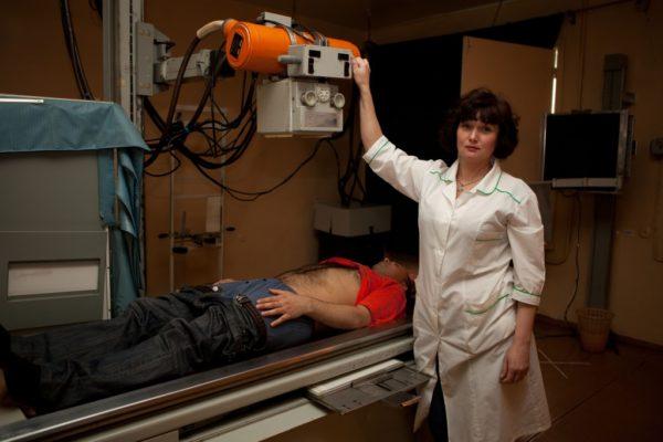 При рентгенографии пациент должен лежать неподвижно