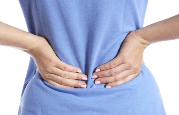 При воспалительном процессе ощущается глубокая боль в пояснице, но без иррадиации в область таза или конечности