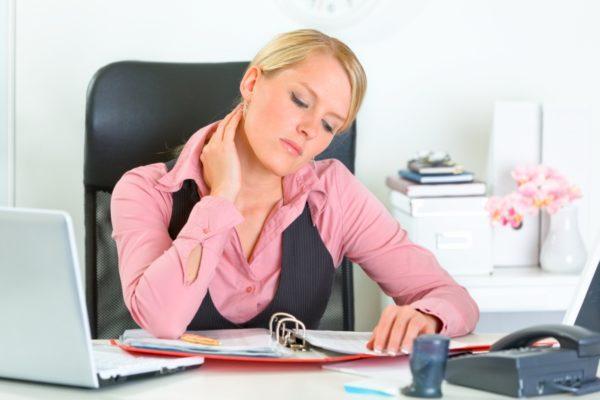 Сидячая работа приводит к болезням позвоночника