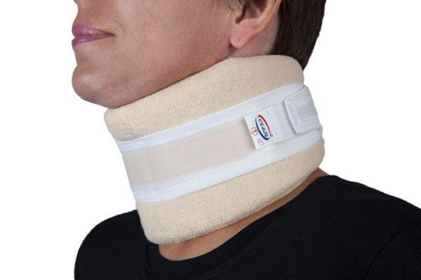 Воротник Шанца используют для фиксации шейного отдела при неосложненных переломах