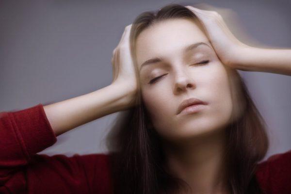 Боли могут переходить в головокружение, сопровождающееся тошнотой