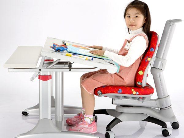 Парта и ортопедическое кресло