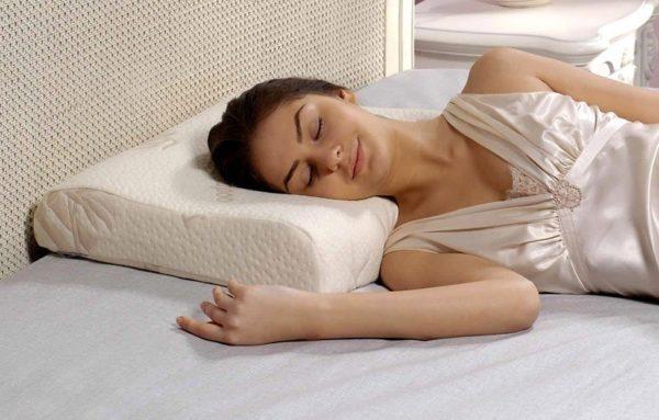 Правильно подобранные постельные принадлежности - залог здоровья шеи