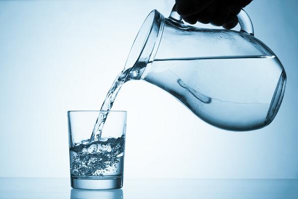При болезни Бехтерева важно пить много жидкости