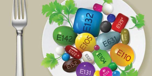 Стоит избегать употребления продуктов с красителями и консервантами