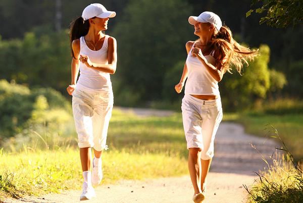 Важно вести активный образ жизни и следить за своей осанкой – тогда проблем с позвоночником не возникнет