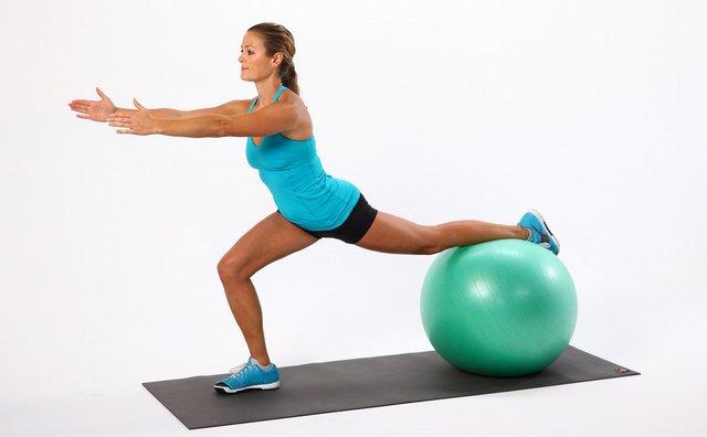 При выполнении упражнений нужно следить за своим состоянием и при малейшем дискомфорте прекратить занятия