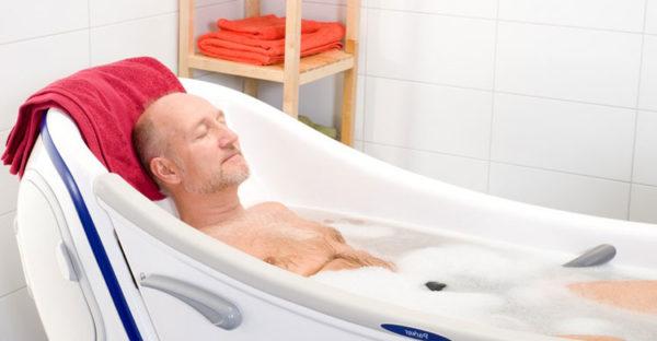 Самый доступный способ теплолечения в домашних условиях - это горячая ванна