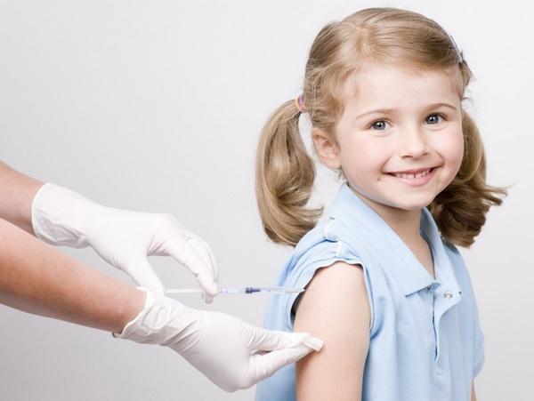 В современном мире ведутся споры о необходимости вакцинации детей