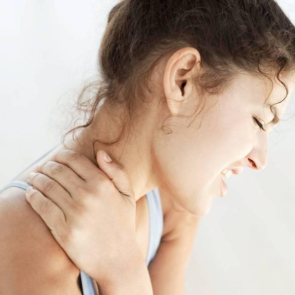 Симптомы остеохондроза могут различаться в зависимости от того, где конкретно локализовано заболевание