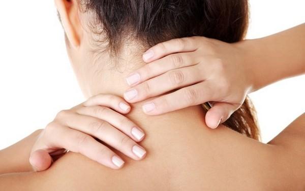 Остеохондроз в шее появляется по разным причинам