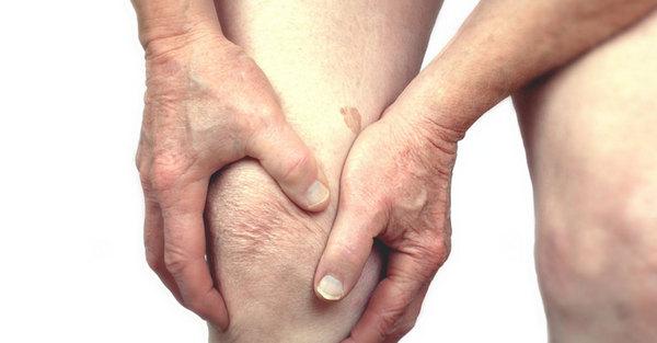 Существует несколько основных причин развития околосуставного остеопороза