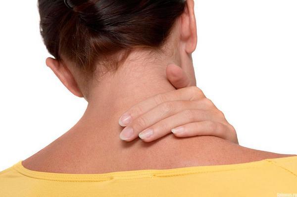 Симптомы у шейного остеохондроза крайне обширные