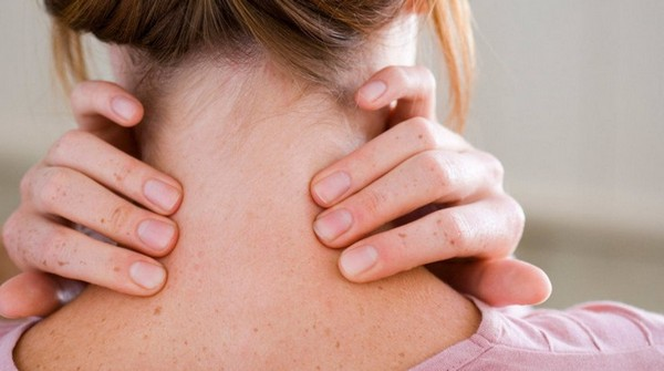 Помимо ношения бандажа для лечения остеохондроза врачами назначаются и медикаменты