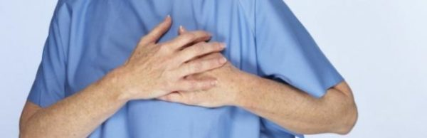 На поздних стадиях кифоза у больных могут наблюдаться проблемы с сердцем