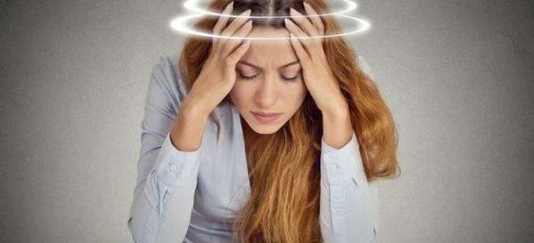 Частые головокружения - один из ранних симптомов шейного остеохондроза