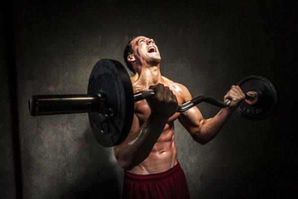 Чрезмерные физические нагрузки могут привести к образованию грыжи