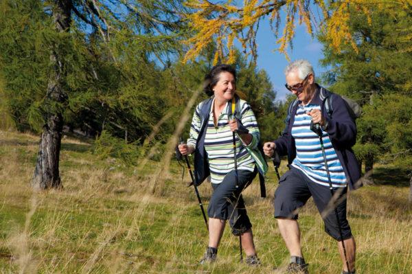 Ежедневные пешие прогулки необходимы для поддержания здоровья позвоночника