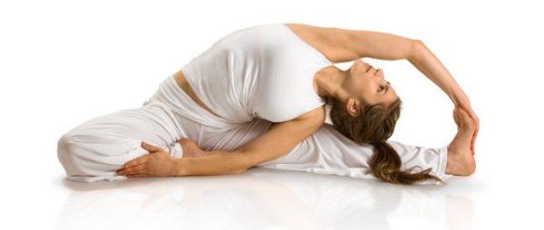 На упражнения йоги тоже есть ограничения при сколиозе