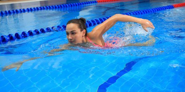Плавание - один из самых эффективных способов лечения патологий позвоночника