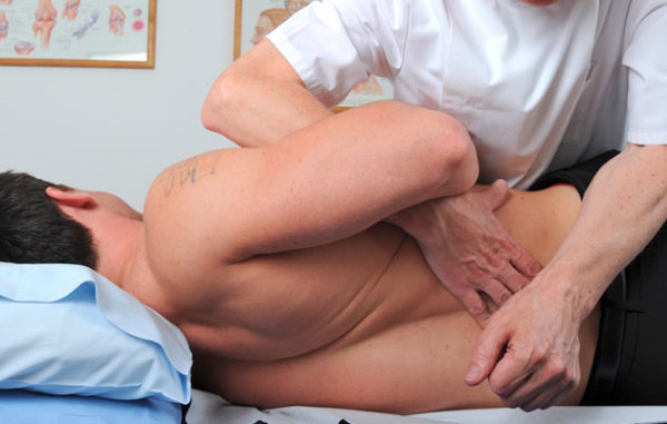 Мануальная терапия при грыже
