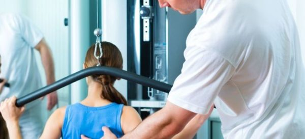 После операции у пациентов восстанавливается двигательная активность, уходят боли в спине